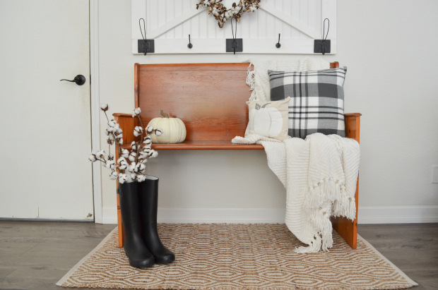 cozy fall farmhouse entryway